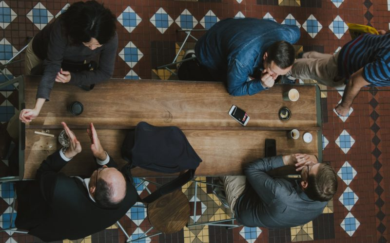 Choosing between In-House and Agency Marketing